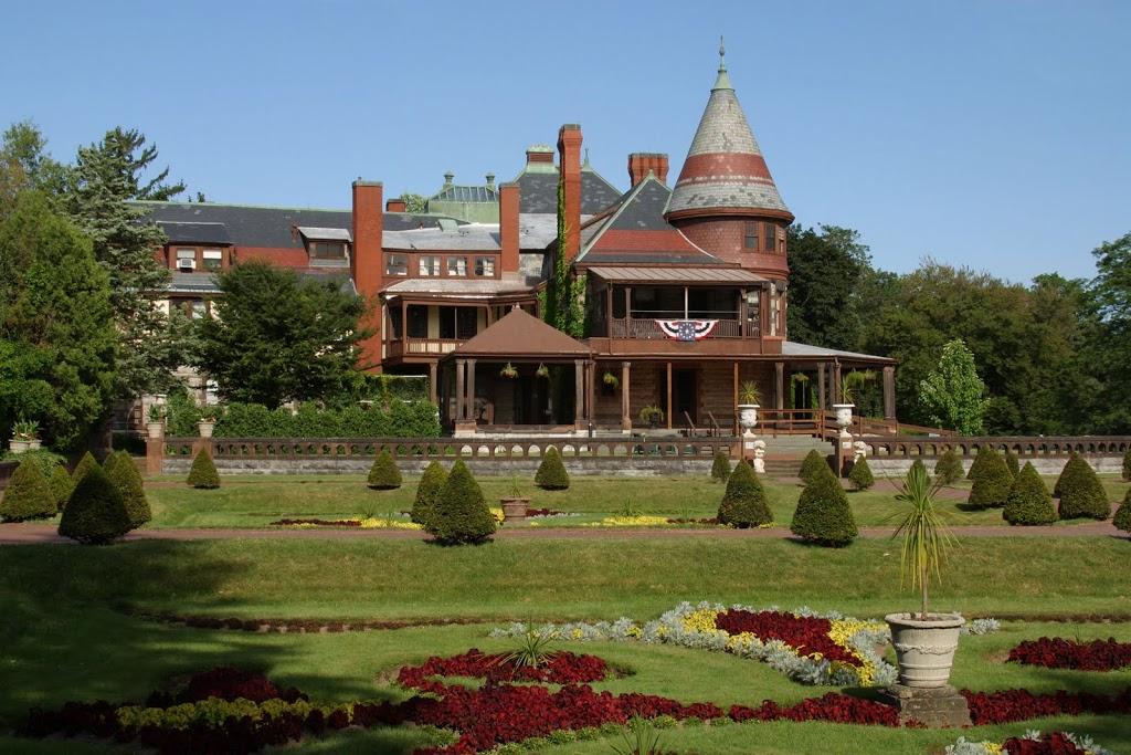 exterior-with-garden