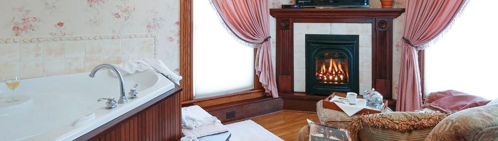 Fireplace, Jacuzzi, Romance